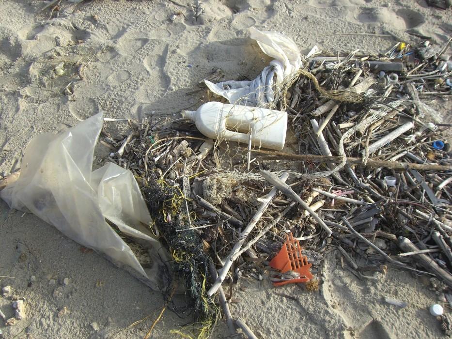 身近に潜むプラスチック問題