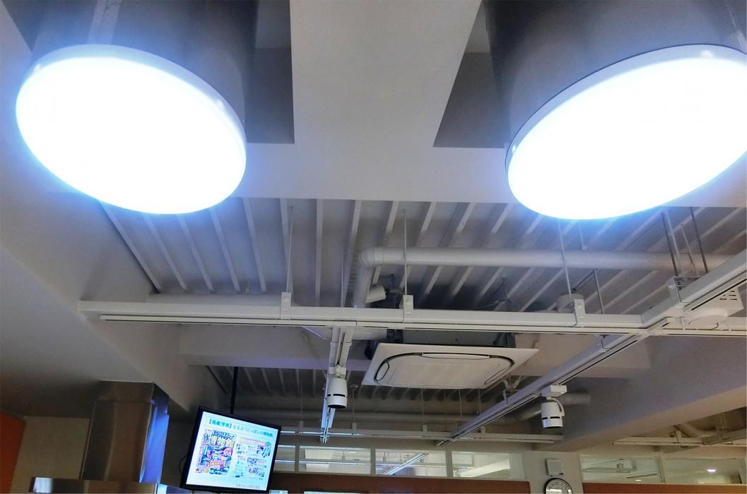 オフィスにはLEDや蛍光灯ではなく、太陽光を採光