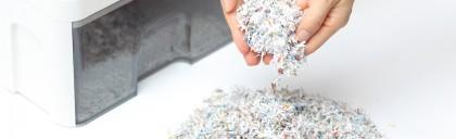 主な廃棄方法はシュレッダーと溶解処理
