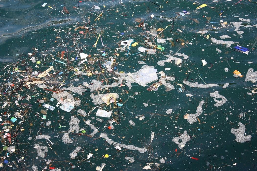 プラスチックごみ削減とレジ袋有料化について